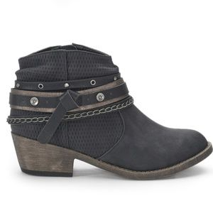 Woman's ankle boots 👢